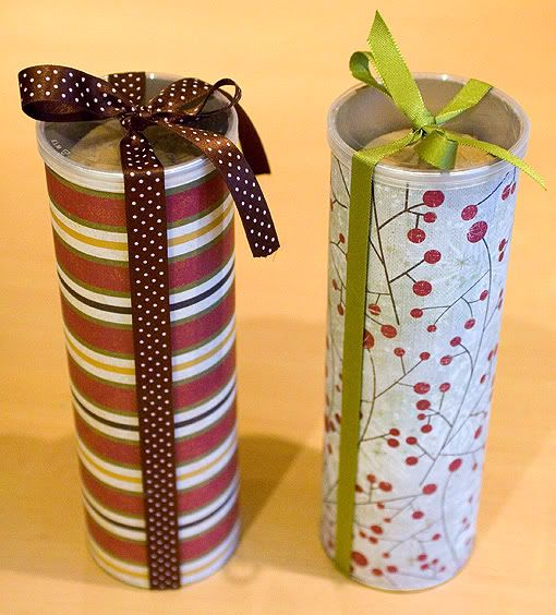 recycle and reuse Pringles can for gift wrap cookie package