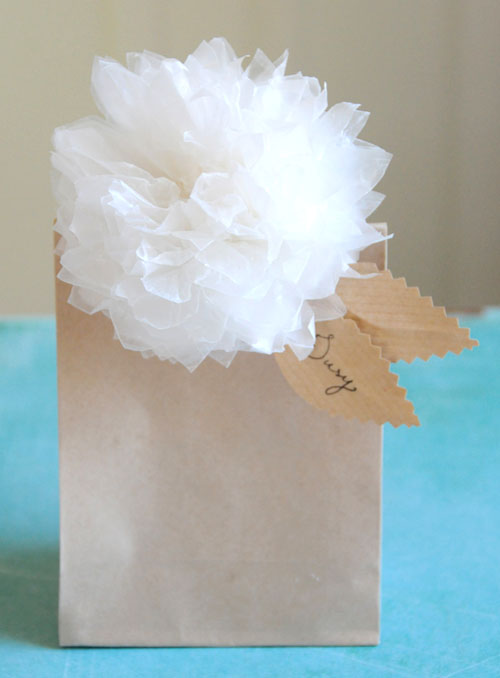 DIY White Pom Pom Flowers